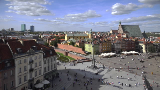 panorama of old town and royal castle in warsaw - warsaw stock videos and b-roll footage