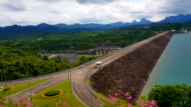 panorama view of ratchaprapha dam at khao sok national park, surat thani province, thailand. - surat thani province stock videos & royalty-free footage