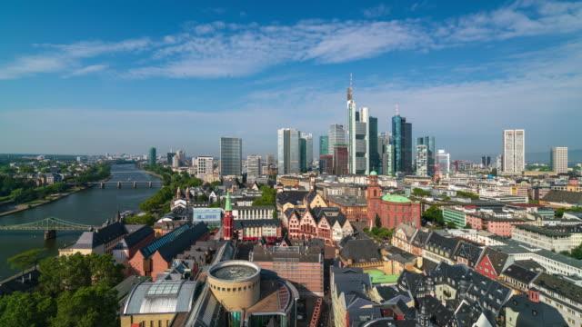 フランクフルト都市のスカイラインのパノラマ航空写真、4kタイムラプス - ハイデルベルク点の映像素材/bロール