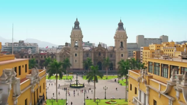 panoramic aerial view of lima, peru plaza de armas cathedral - america latina video stock e b–roll
