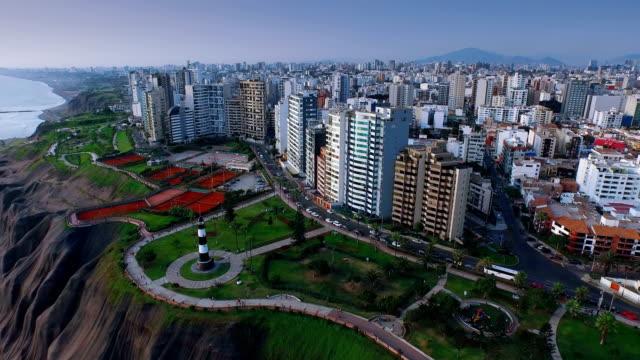 vídeos y material grabado en eventos de stock de vista aérea panorámica de la ciudad de miraflores en lima, perú. - peruano