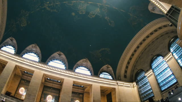panoramic grand central station new york - grand central station manhattan stock videos & royalty-free footage