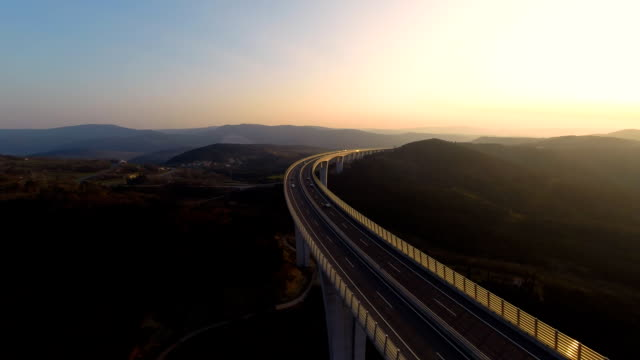 HD HELI: Panoramic Viaduct At Sunset