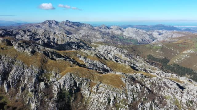 Panoramic view of Alto Los Machucos or Collao Espina, From Bustablado to Calseca, Valles Pasiegos, Cantabria, Spain, Europe