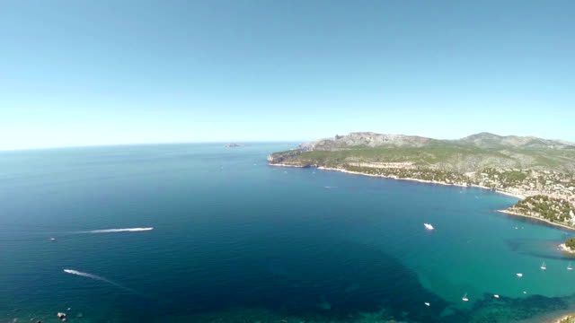 panoramic view of cassis and calanque coast - pjphoto69 stock videos & royalty-free footage