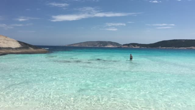 panoramic view of hellfire bay in cape le grand western australia - bay of water stock videos & royalty-free footage