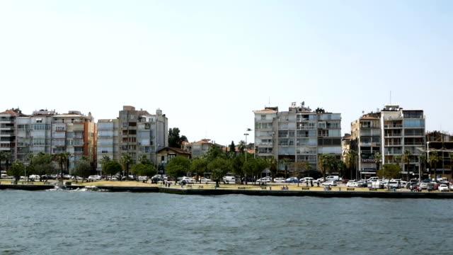 vídeos y material grabado en eventos de stock de vista panorámica de la ciudad de izmir - terminal de ferry
