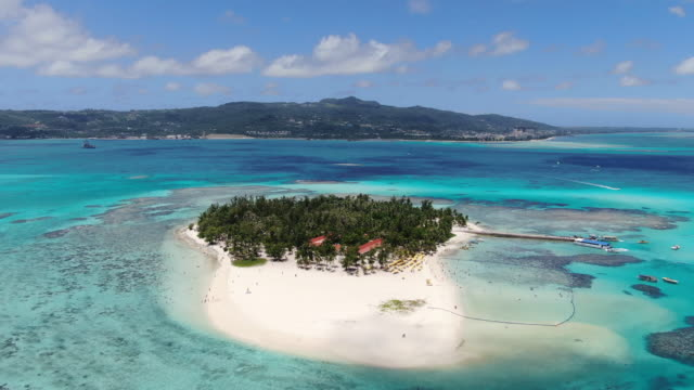 panoramic view of managaha island / saipan, northern mariana islands, usa - pacific islands stock videos & royalty-free footage