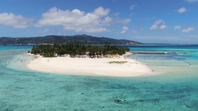 panoramic view of managaha island / saipan, northern mariana islands, usa - desert island stock videos & royalty-free footage
