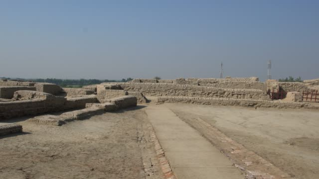 panoramic view of the ruins of ancient mohenjo daro in pakistan - old ruin stock videos & royalty-free footage