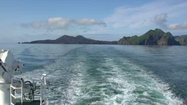 panoramic view of vestmannaeyjar (western islands) seen from the ferry, iceland - 1963 stock videos & royalty-free footage