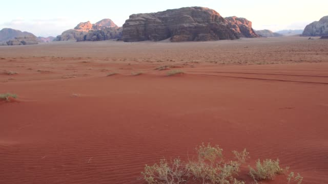 panoramic view of wadi rum desert wilderness very early in the morning, jordan - jordan middle east stock videos and b-roll footage