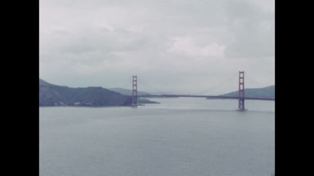 vídeos de stock, filmes e b-roll de panoramic views of the bay area in san francisco. show is the golden gate bridge. - baía de são francisco