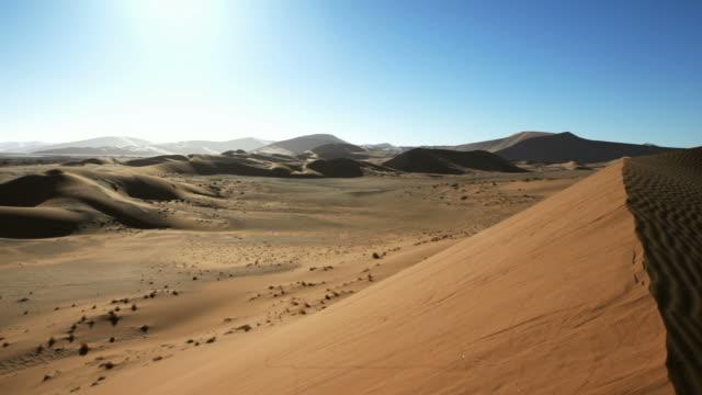 stockvideo's en b-roll-footage met panshot over dunes - zuidelijk halfrond