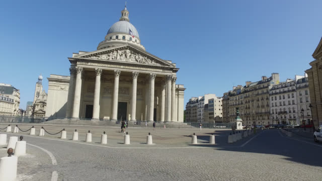 pantheon square may 6 2020 in paris france - wolkenloser himmel stock-videos und b-roll-filmmaterial
