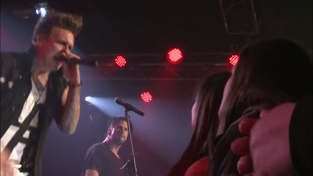 Papa Roach brought their alternative rock metal sound to an excited crowd at JBTV with their song 'Getting Away with Murder'