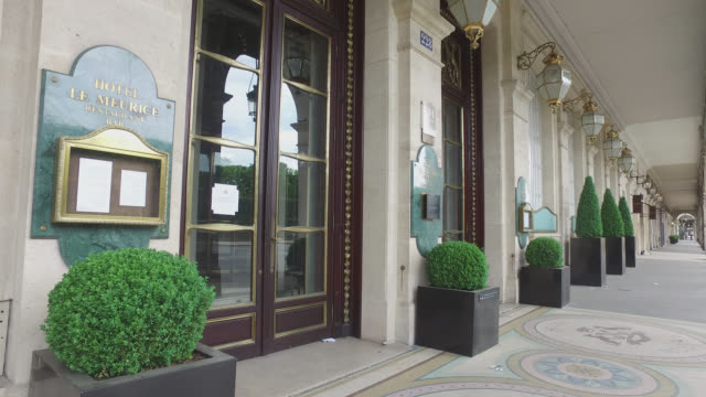 paparis april 21 2020 palace le meurice closed following the coronavirus crisis without people - building entrance stock videos & royalty-free footage