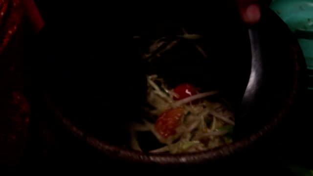 papaya salad - kitchenware shop stock videos & royalty-free footage