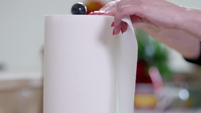紙タオル - バンズ点の映像素材/bロール