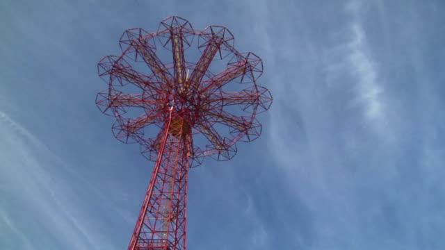 LA, MS, Parachute jump tower against sky, Coney Island, Brooklyn, New York City, New York, USA