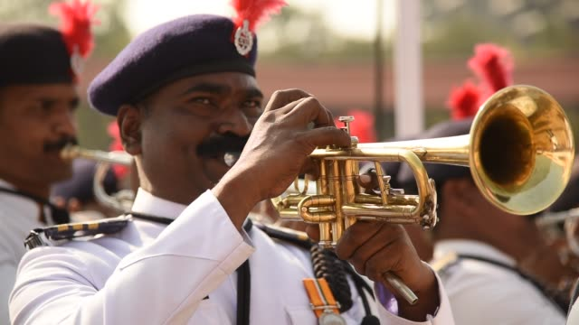 vídeos de stock e filmes b-roll de parade of india republic day - áudio disponível online