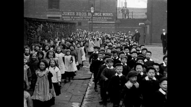 1905 Parade of St Matthews Pupils
