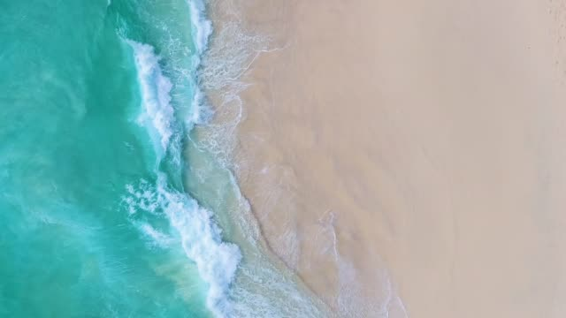 paradise beach aerial viev - riva dell'acqua video stock e b–roll