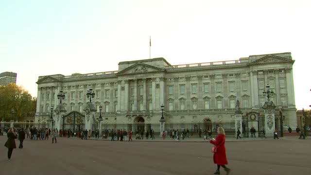 Prince Charles 'conflict of interest' allegations T06111703 London EXT GVs Buckingham Palace Royal Standard flying over Palace