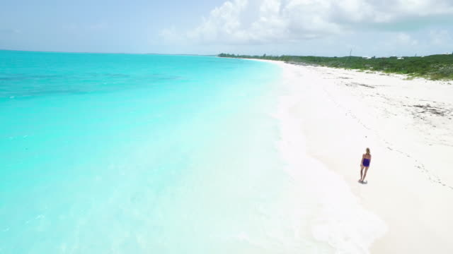 paradise walk - bahamas stock videos & royalty-free footage