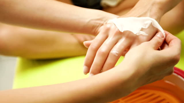 Paraffin wax treatment for hands