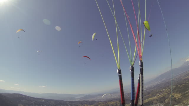 Paragliding_Flying with lots of Flyers_First Person View