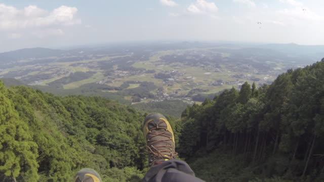 vidéos et rushes de paragliding_takes off and flying2 - parapente