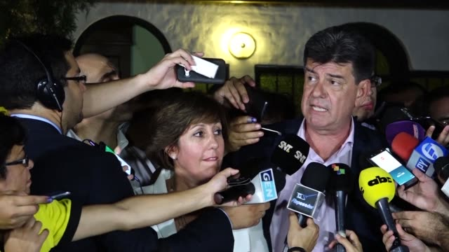 paraguay's centrist presidential candidate efrain alegre admits defeat in the election against opponent mario abdo benítez of the ruling colorado... - alegre stock-videos und b-roll-filmmaterial