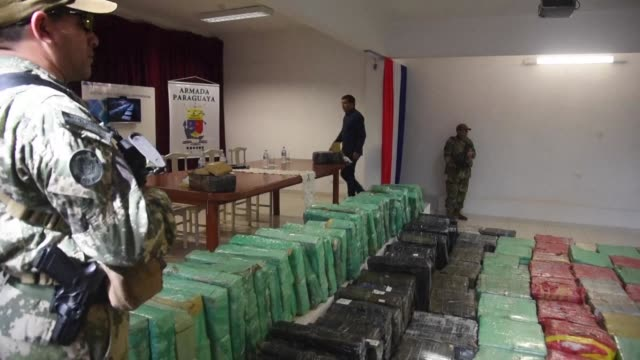 vídeos y material grabado en eventos de stock de paraguay's national antidrug secretariat presented on thursday an 18 ton shipment of marijuana that had been bound for argentina and uruguay which... - uruguay