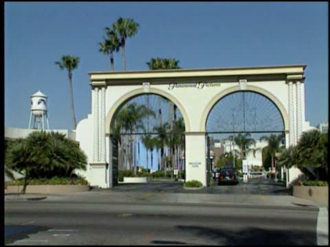 paramount pictures arch leads into studio - paramount pictures stock videos & royalty-free footage