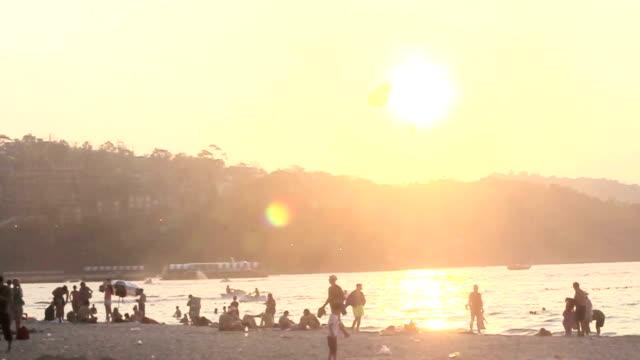 パラセーリングプーケットパトンビーチ、タイ - ヒート点の映像素材/bロール
