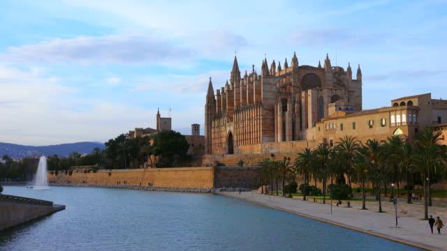 parc de la mar, la seu cathedral and royal palace, palma de mallorca, majorca, balearic islands, spain - palma stock videos & royalty-free footage