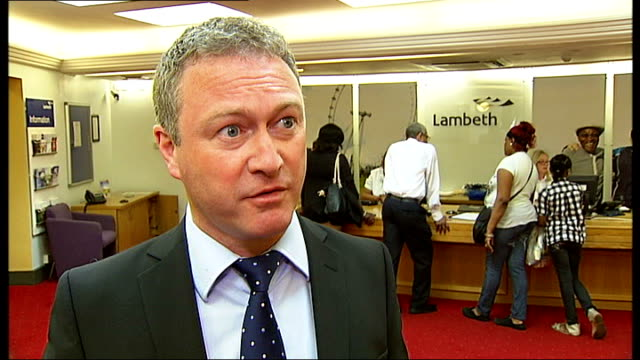 parents talk of the effects of a shortage of primary school places in london lambeth int councillor steve reed interview sot ext various of reporter... - lambeth stock-videos und b-roll-filmmaterial