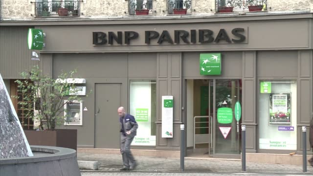 bnp paribas is nearing a deal with us prosecutors that would see the french bank pay $8 billion to $9 billion and accept other punitive measures for... - staatsanwalt stock-videos und b-roll-filmmaterial