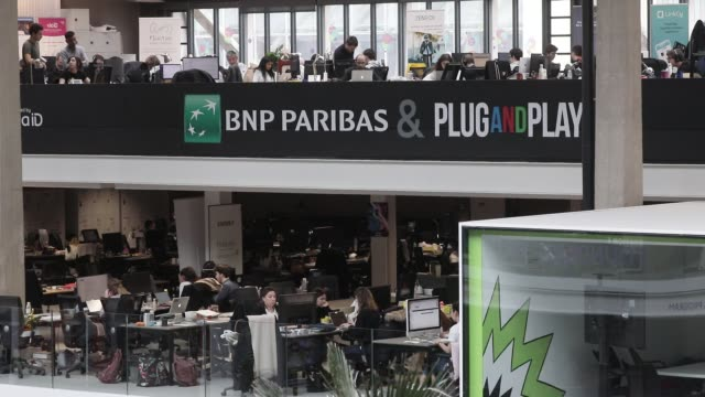 vídeos de stock, filmes e b-roll de paribas logo seen at station f world s biggest startup campus on march 5 2020 in paris france - classified ad