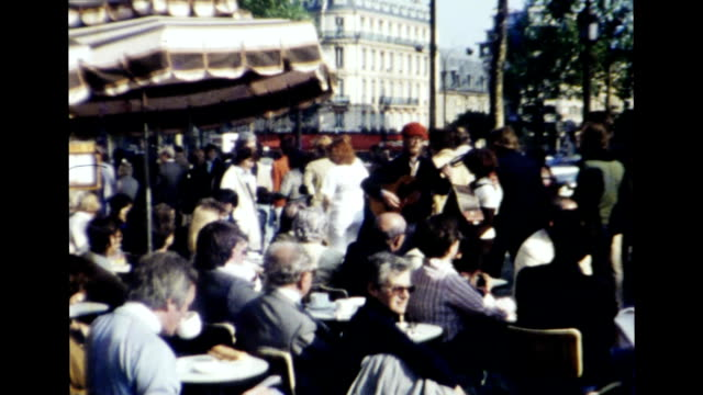 stockvideo's en b-roll-footage met paris 1977 - 1977