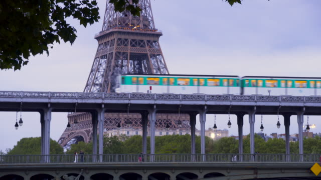paris, aerial metro on le pont de bir hakeim - underground train stock videos & royalty-free footage
