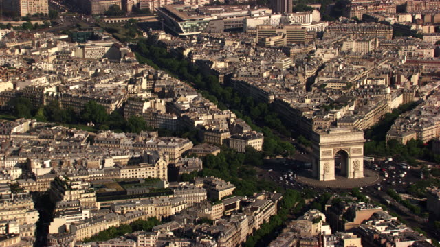 paris : arc de triomphe - avenue des champs elysees stock videos & royalty-free footage