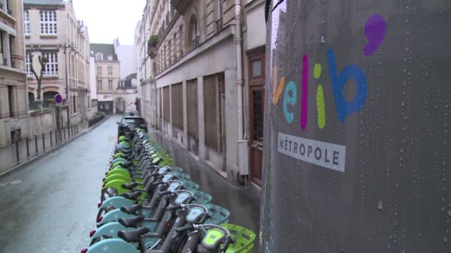 Paris authorities threatened sanctions Wednesday against the new operator of the city's Velib bike hire system over a chaotic rollout that has left...