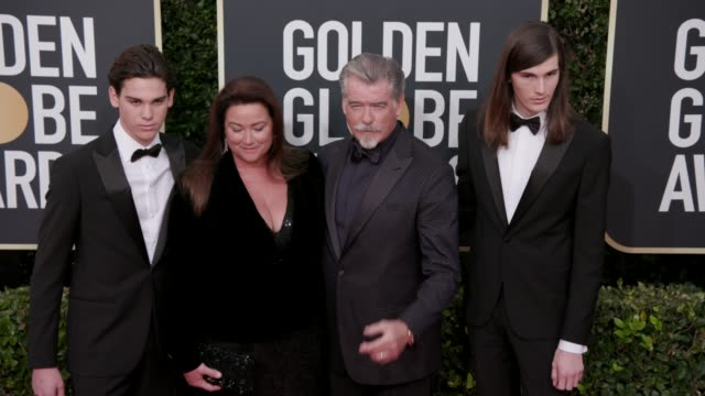 paris brosnan keely shaye brosnan pierce brosnan and dylan brosnan at the 77th annual golden globe awards at the beverly hilton hotel on january 05... - keely shaye smith and pierce brosnan stock videos & royalty-free footage