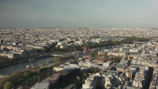 vidéos et rushes de paris cityscape (from eiffel tower) 3 - pont de bir hakeim