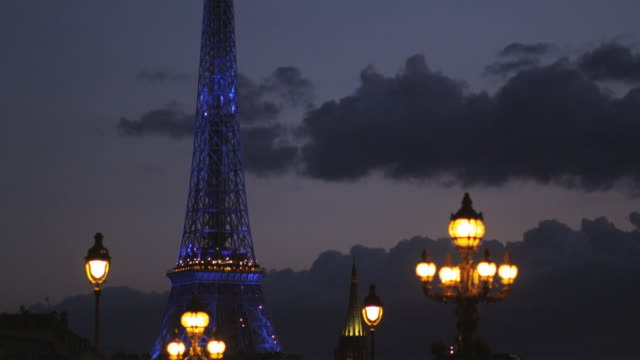 paris cityscape at night - eiffel tower paris stock videos & royalty-free footage