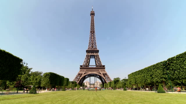 paris eiffel tower - lawn stock videos & royalty-free footage