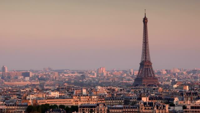 パリエッフェル塔の景色 - エッフェル塔点の映像素材/bロール