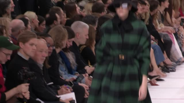 runway paris fashion week a/w 2019/20 christian dior on february 26 2019 in paris france - catwalk stock videos & royalty-free footage